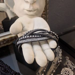 Jewelry - FREE w any Purchase! Cuff bracelet